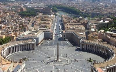 (20.10.2010) Стриптиз для папы Римского