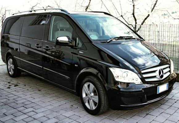 Mercedes Viano 2013 г., чёрный, кожаный салон, 7 пассажиров