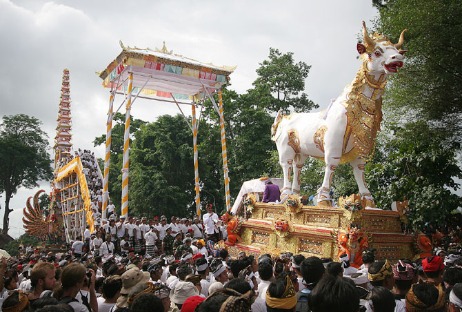 бали. индонезия. похороны. тур. italiaunicaevents.